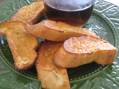 french toast dippers on green plate