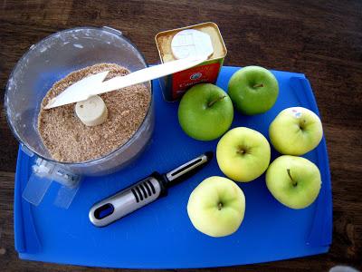 ingredients for apple pie on board