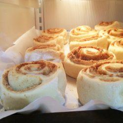 cinnamon rolls open freezing