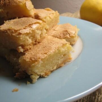 close up of lemon ginger bars on plate