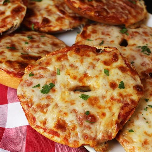 Easy Homemade Pizza Bagels Recipe