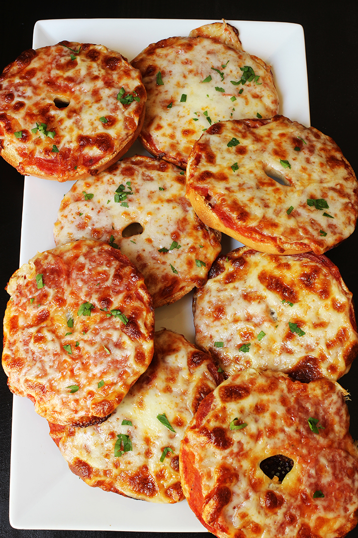 white tray of pizza bagels
