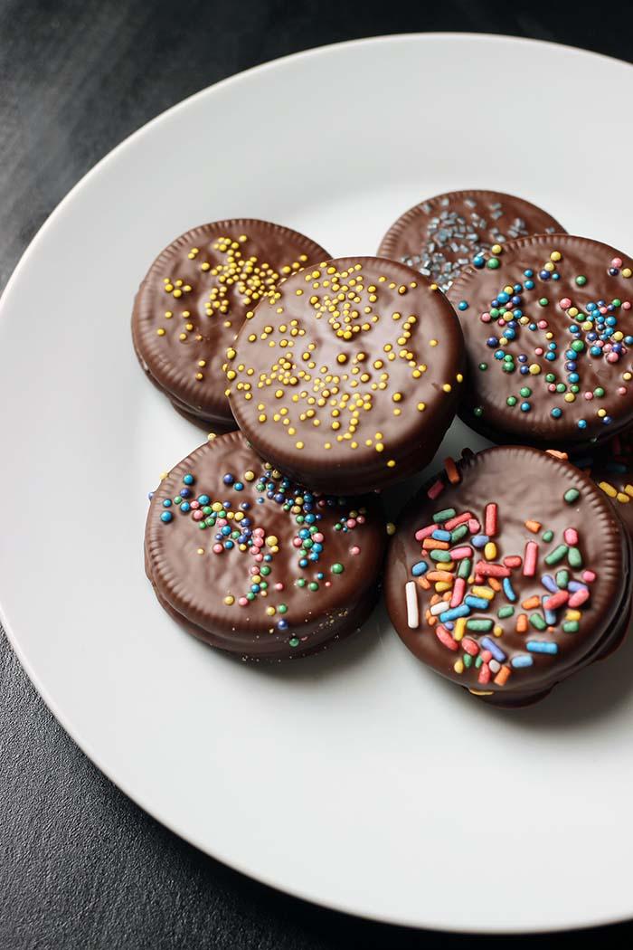 plate of chocolate dipped oreos