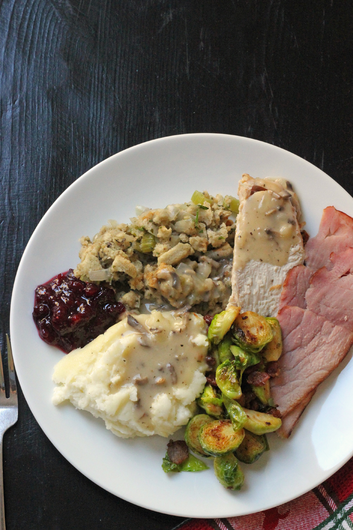 thanksgiving dinner plate with all the trimmings