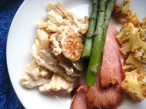 close up of scalloped potato and ham