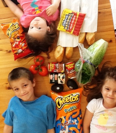 5 Random Food Tips for Family Travel - We're a foodie family, so we love to eat on vacation. We have a few traditions that we keep to.
