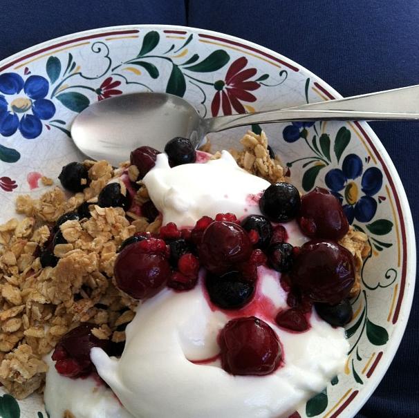 yogurt and cherries parfait