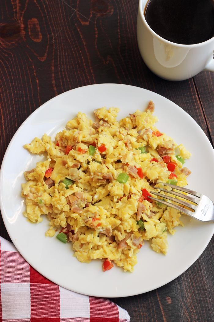 A plate of denver scramble