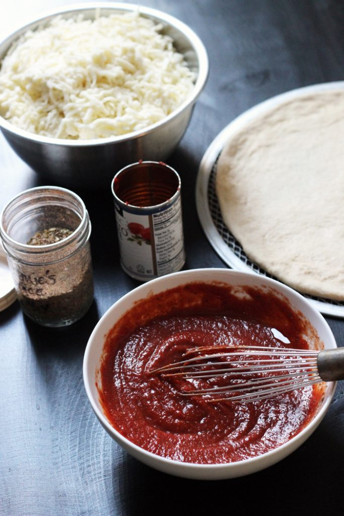 ingredients to make homemade pizza