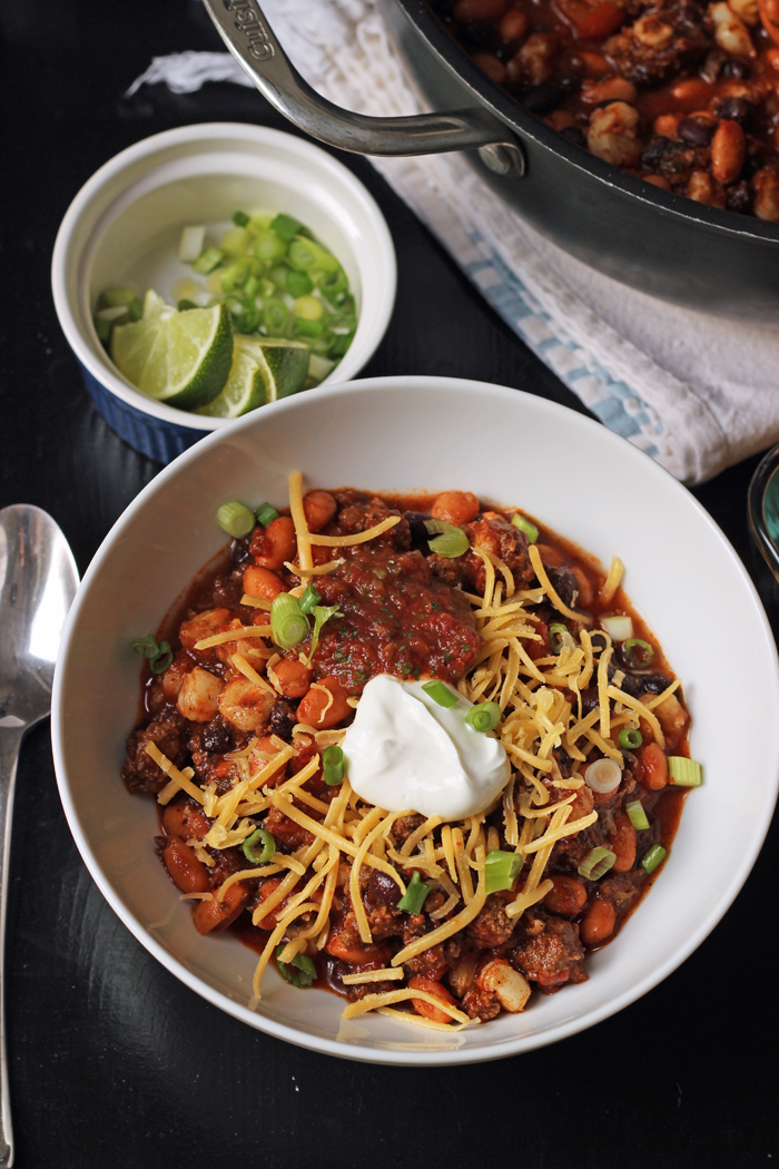 bowl of chili with toppings