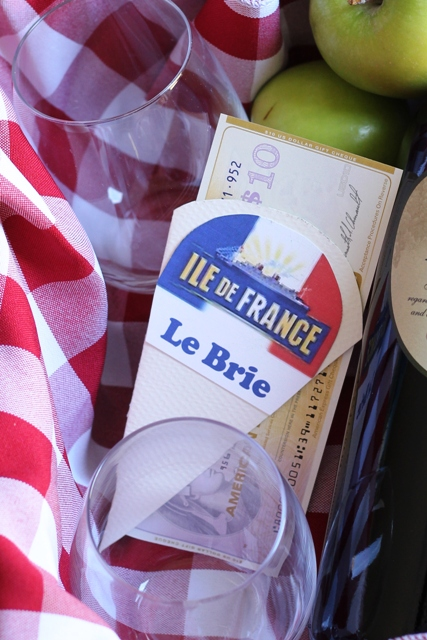 How to Make an Easy Wine & Cheese Gift Basket