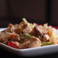 plate of simple chicken stir-fry
