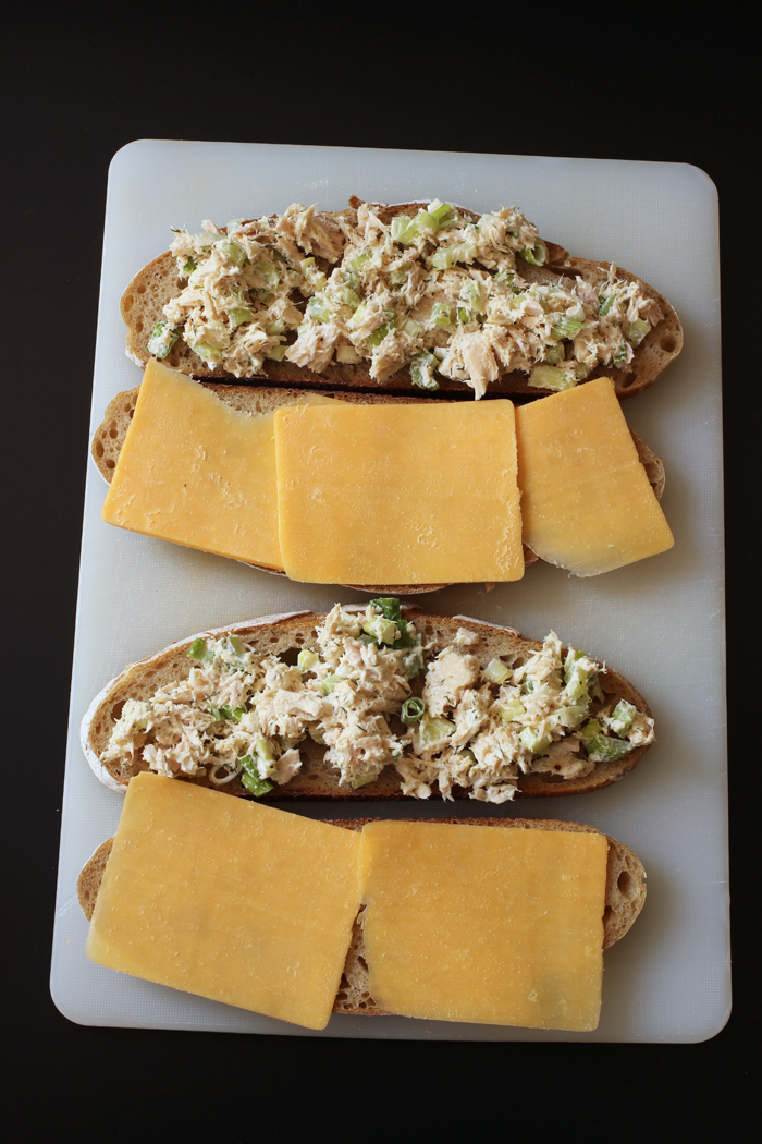 tuna melt assembly