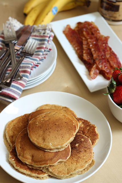 Easy Breakfast Recipes (& Tips for Serving Breakfast in Bed)