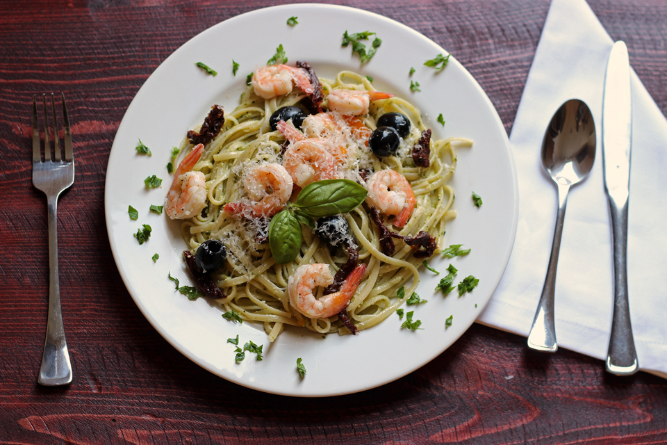 Pesto Shrimp Linguine Salad
