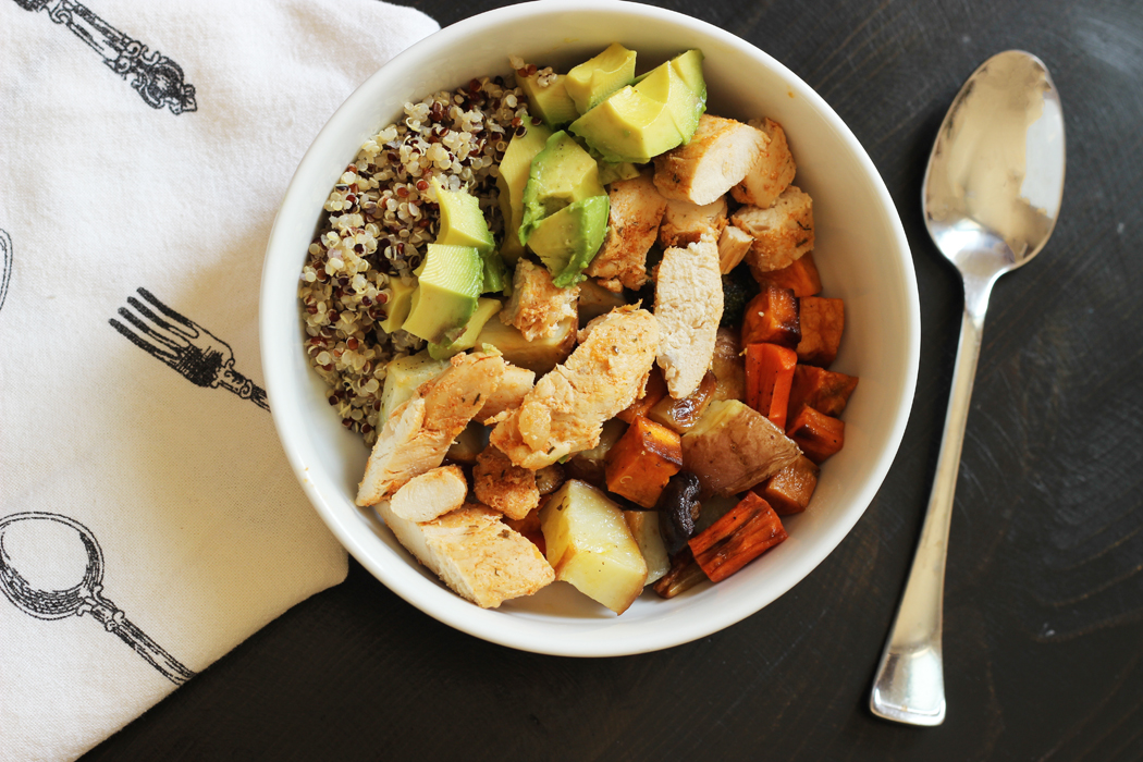 Quinoa Bowl with chicken and roasted vegetables