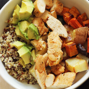 A bowl of quinoa and chicken