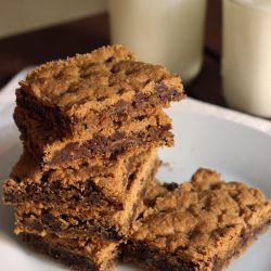 gluten free chocolate chip cookie bars