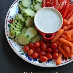 veggie tray with buttermilk dressing