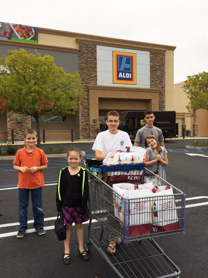 Grocery Shopping with Kids at ALDI (6)