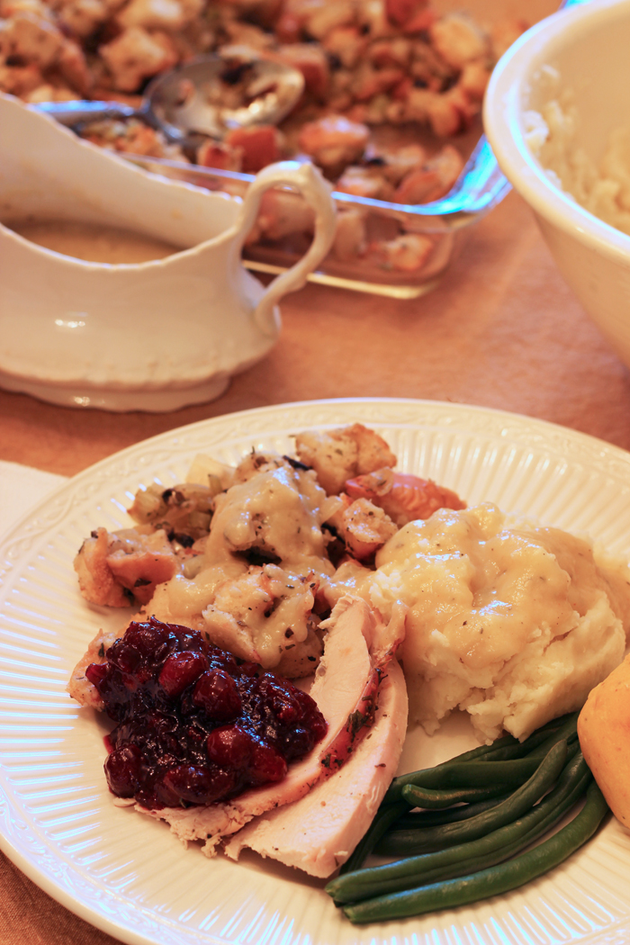 thanksgiving dinner plate with turkey and all the fixings