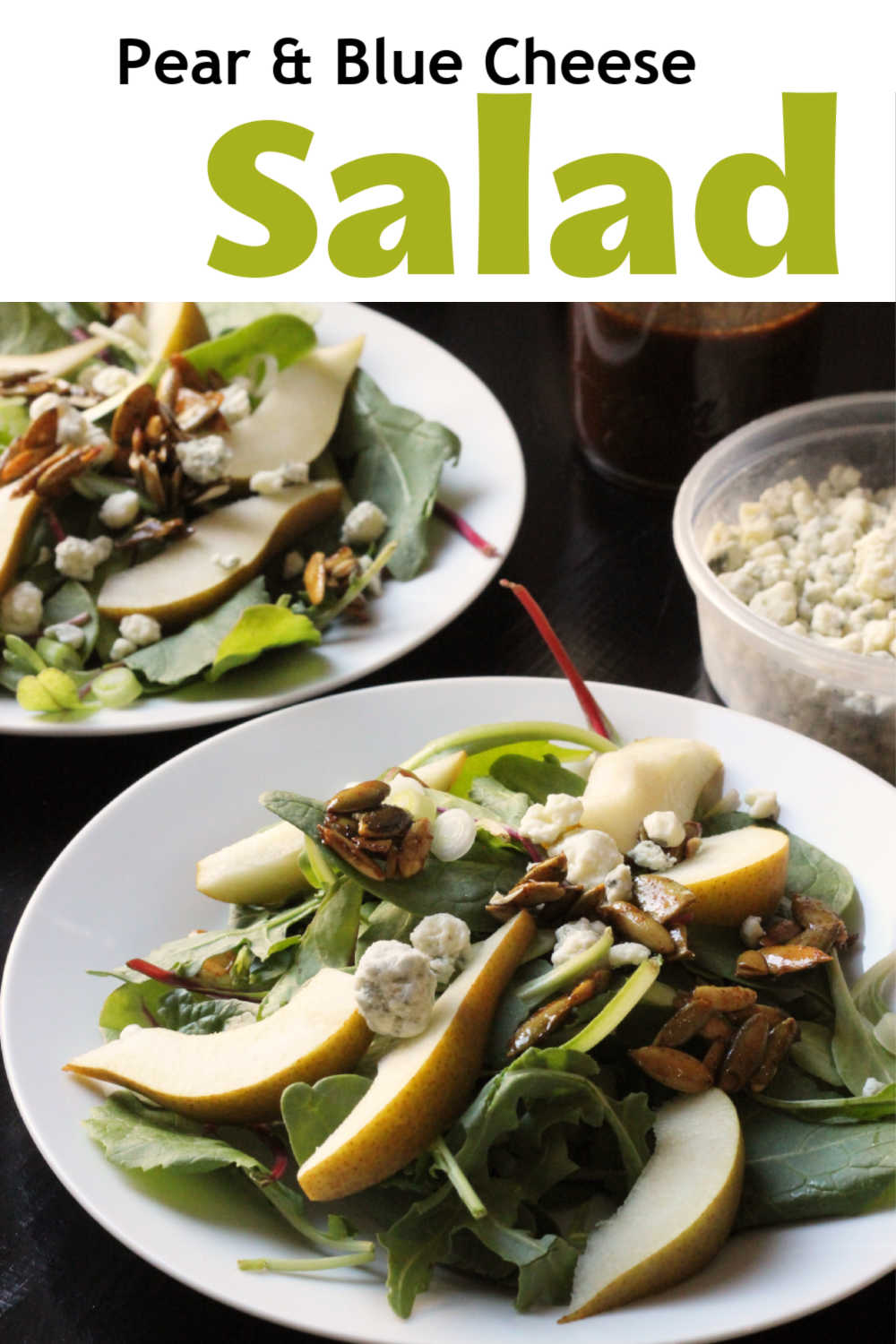 Salads with pears and cheese