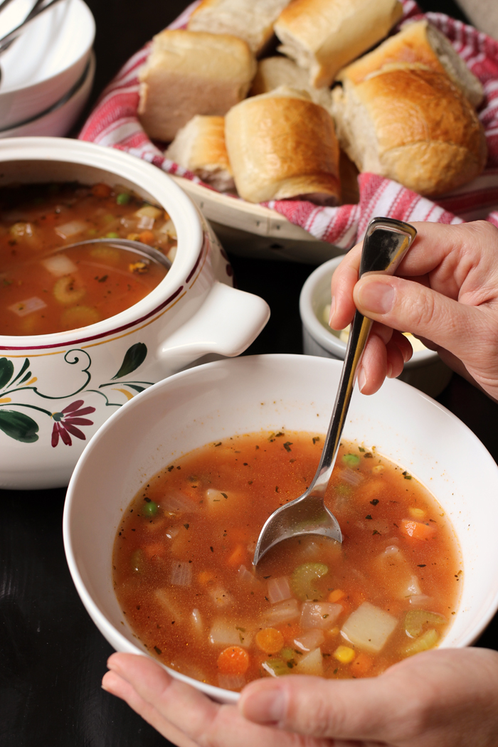 vegetable soup and rolls
