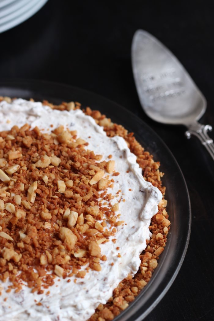 Toffee dream pie in dish