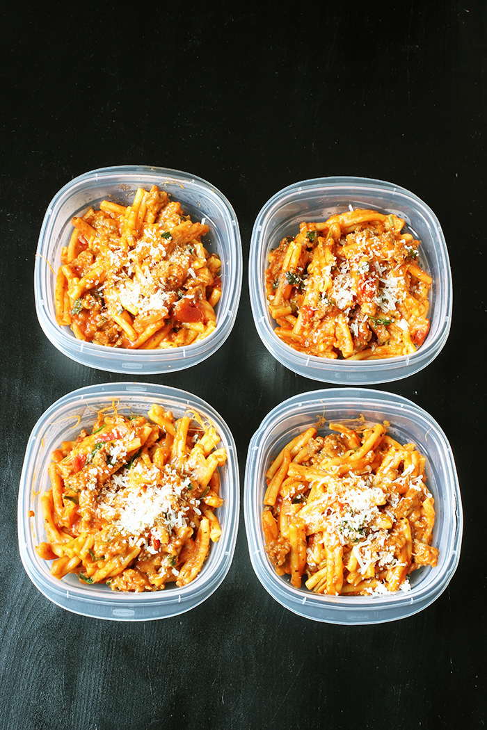 meal prep dishes full of instant pot pasta
