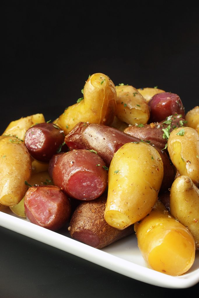 cooked potatoes with garlic and parsley