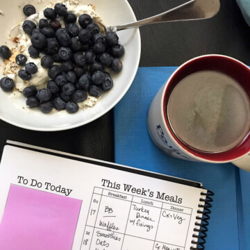 muesli with berries and planner