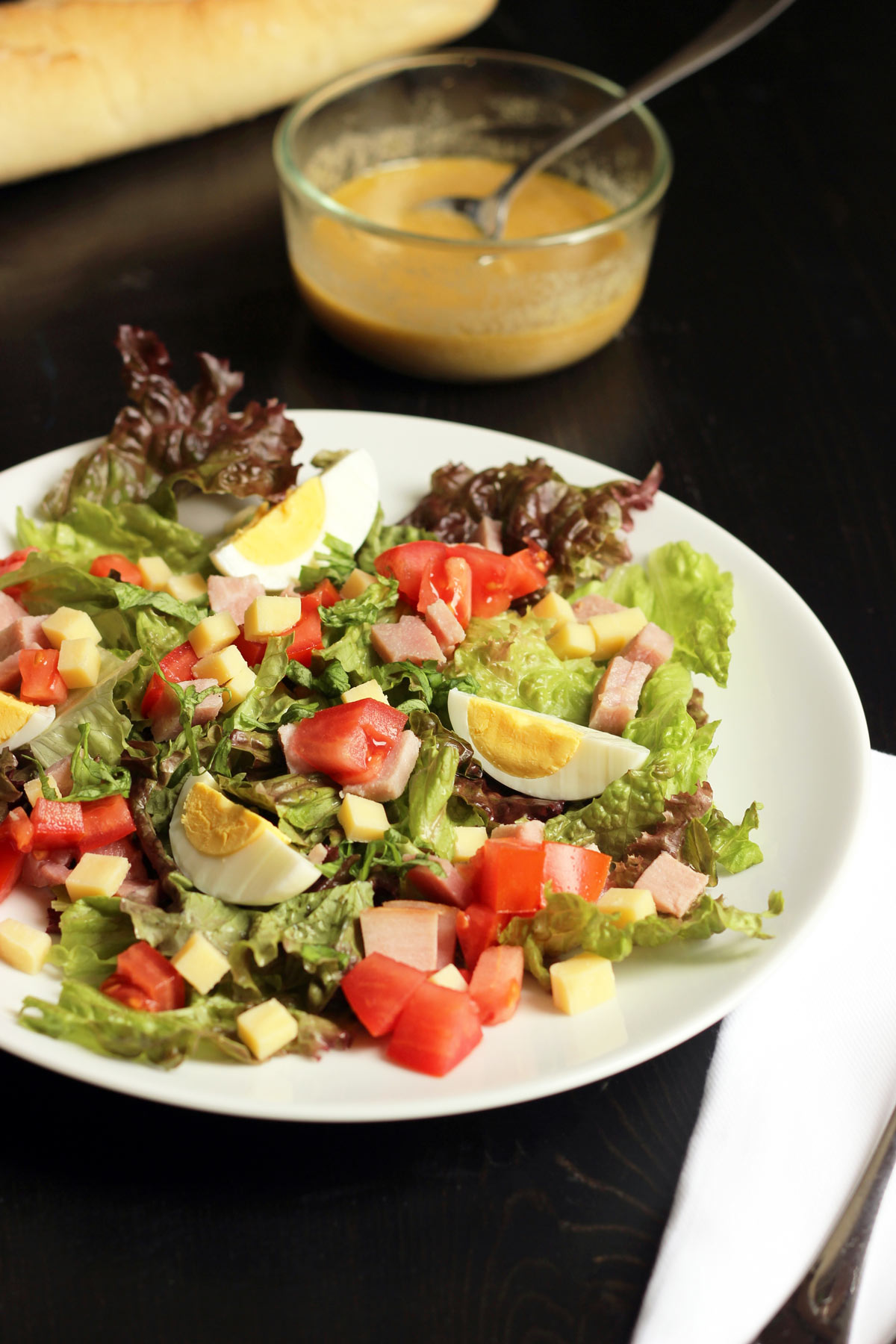 ham and gruyere salad with egg
